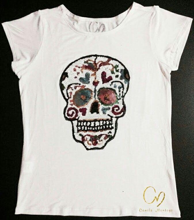 Catrinas en diferentes diseños. T-Shirt en algodón pima 100%, aplique en lentejuelas. Colores de camiseta en negro, gris y blanco
