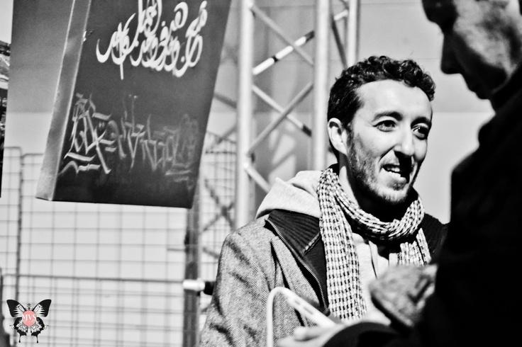 L'acteur Mounir Aït Hamou lors du vernissage de l'exposition INK EYE des artistes Dema et Boho