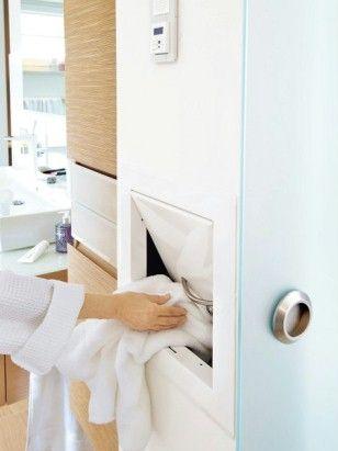 Wäscherutsche im Badezimmer