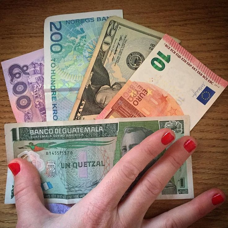 Do you have change? Got 500 baths 200 kroner 20 dolars 10 euros and a queztal and I can use nothing where I'm going next #currency #currencies #notes #monedas #billetes #caos #money #ShowMeTheMoney #baths #coronas #euros #quetzales #dolar #dolars #traveling #TravelFacts #WhatALife by cristinaelozano