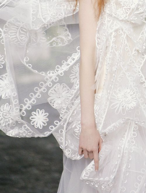 #dior #bridal #wedding #gown #couture #designer #fashion #embroidery
