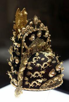 Corona Imperial de la dinastía Nguyen. Vietnam