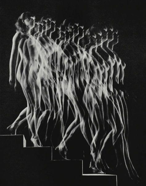 Gjon Mili, Nude Descending Staircase, 1949