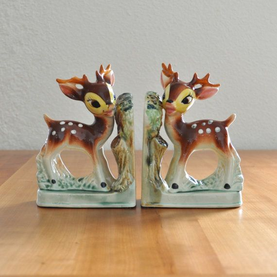 cute vintage ceramic deer bookends..Soooo cute!!! Ohhhh i so want them :)