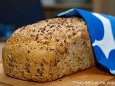 """Prosjekt hjemmebakt grovbrød er godt i gang. Grovbrød nr. 2 er bakt, også dette fra bakekokeboken """"Brød"""" (Oppskrift på """"5-korn brødet"""" finner du her). Det som slår meg når jeg dykker ned i…"""