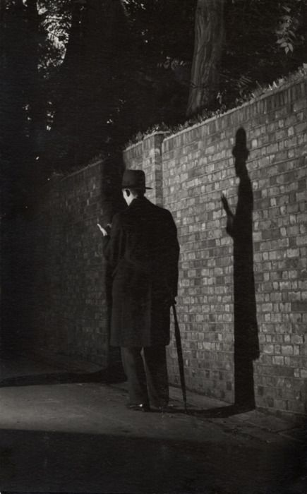 E.O. Hoppé - Man and shadow, London, 1934