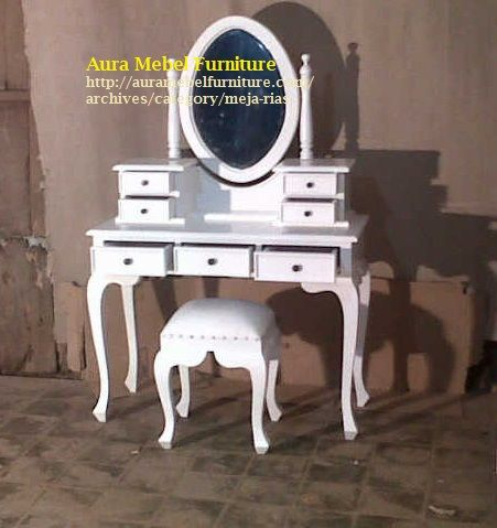 Meja Rias Kartini Cat Duco merupakan produk furniture kayu yang harus ada disetiap ruangan rumah anda, selain sebagai meja cermin untuk kecantikan anda