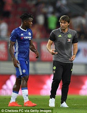 Chelsea striker Batshuayi impresses Conte on first appearance for club
