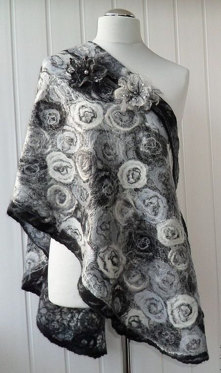 Felted shawl wool Black & White Handmade Felt от crazywoolLT,