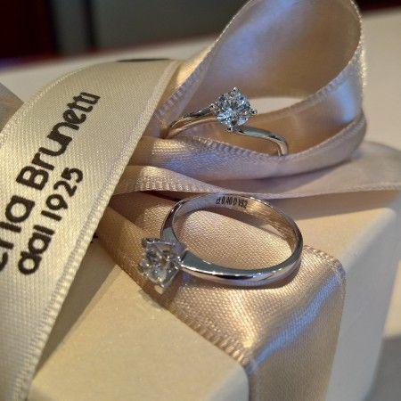 Gioielleria con diamanti :: Gioielleria Brunetti - solitari con diamanti D - carature a scelta contattaci per un preventivo ....