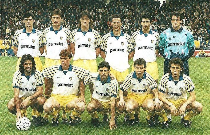 Una formazione del Parma che nel 1990 guadagna la promozione in Serie A.