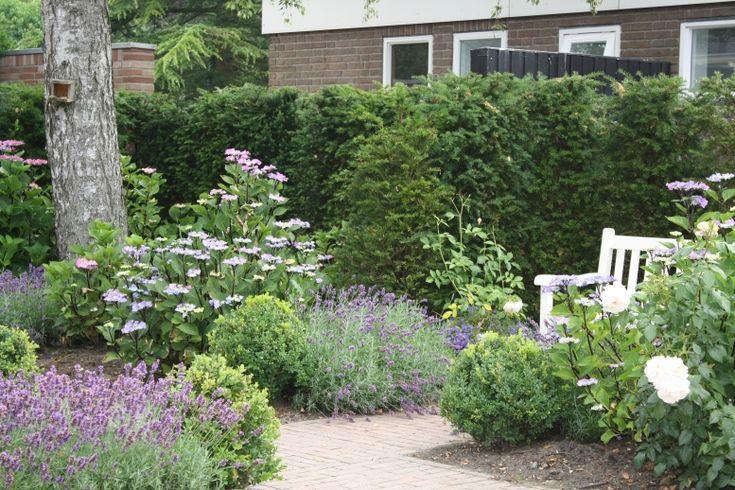 Engelse tuin romantiek google zoeken tuin pinterest for Kleine voortuin ideeen foto s