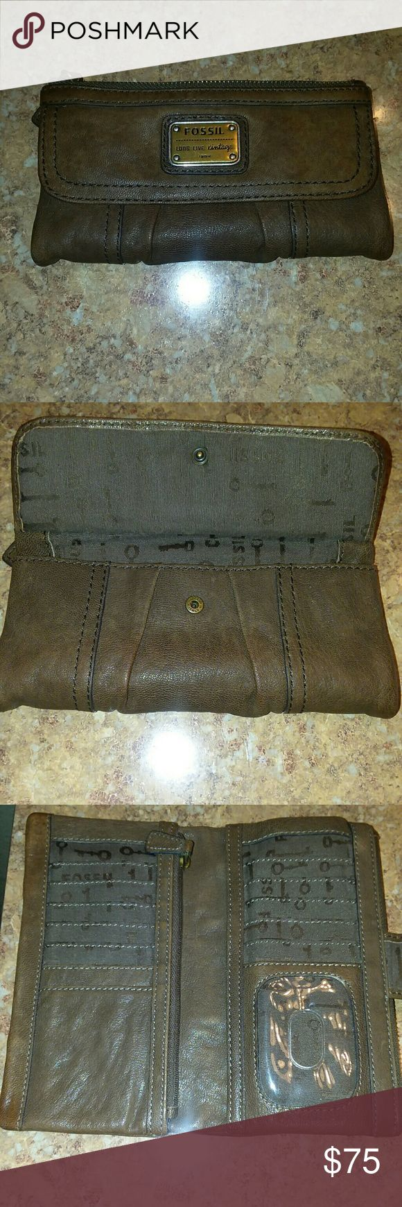 Fossil vintage expresso leather wallet Fossil vintage expresso leather wallet Fossil Bags Clutches & Wristlets