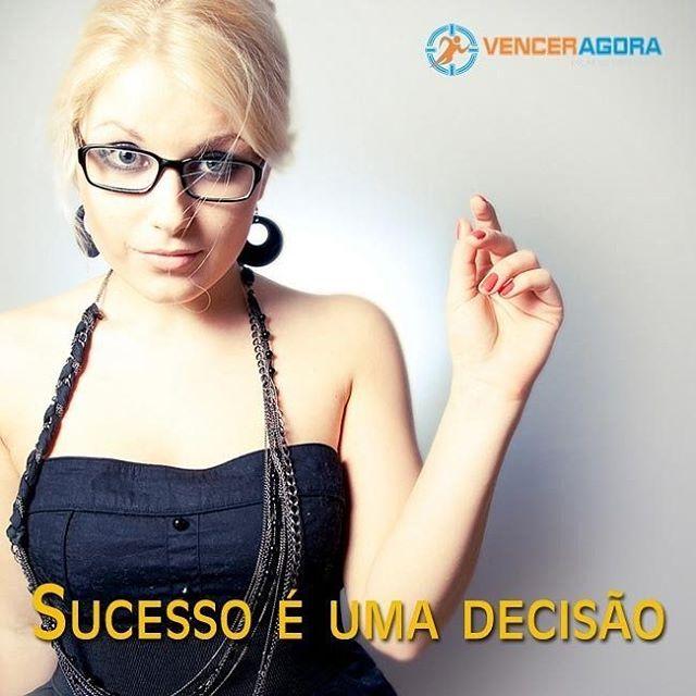 """Sucesso não é sorte nem basta só querer. Tem que ser uma decisão firme e """"indesistivel"""". #sucesso #sucessototal #decidavencer #venceragora #vencerasimesmo #superacao - Veja mais em http://venceragora.com.br/pare-e-pense"""
