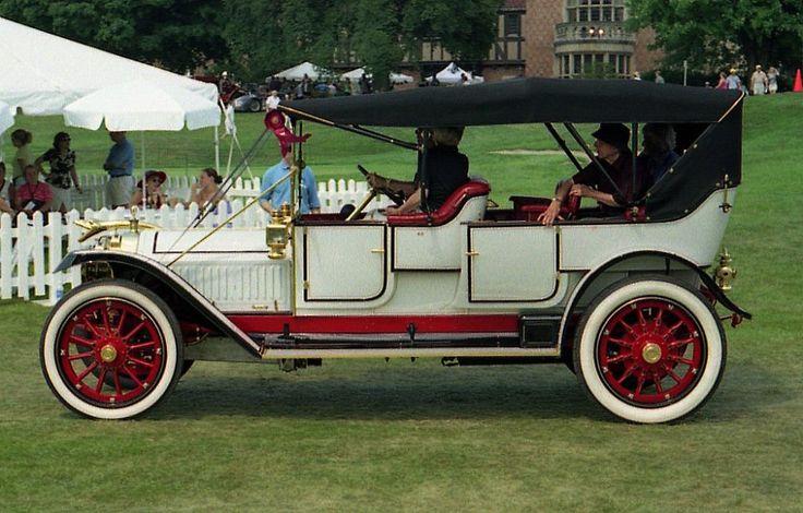 ボード「Vintage Classic Cars」のピン