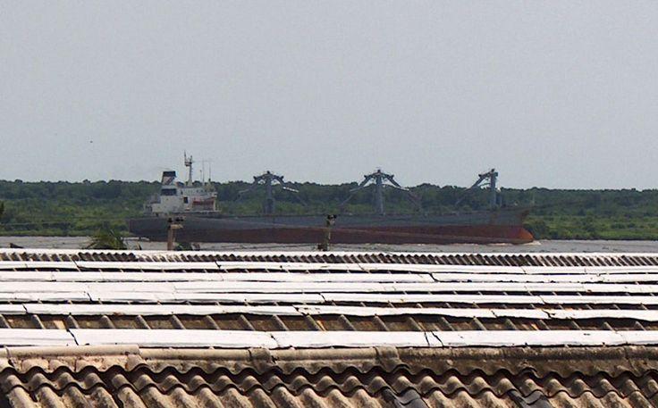 Barco via puerto barranquilla