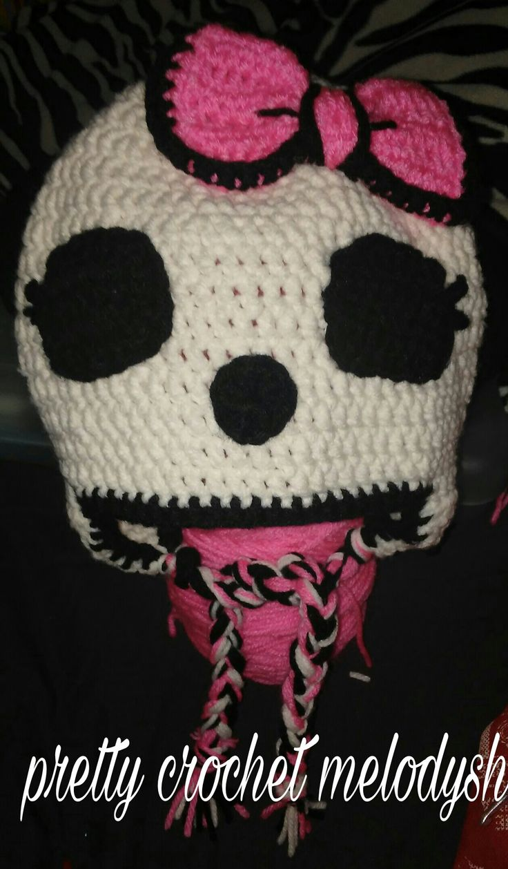 Skull crochet hat