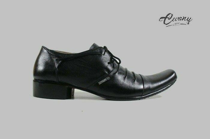 https://www.tokopedia.com/guritashoes11/sepatu-pantofel-formal-kerja-pria-cevany-original-kulit-asli-hitam?utm_source=Copy&utm_campaign=Product&utm_medium=Android%20Share%20Button