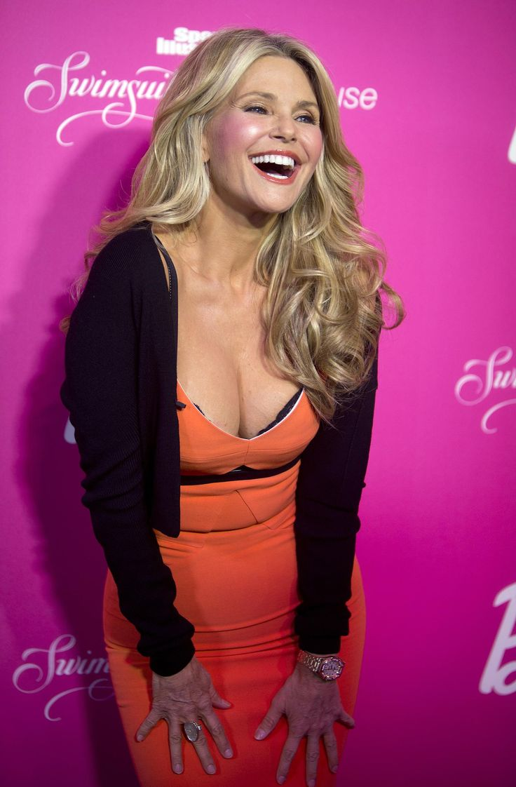 Christie Brinkley Outshines Models Half Her Age at Sports Illustrated Event | Fox News Magazine