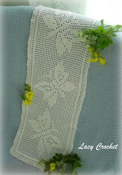Butterflies filet crochet doily
