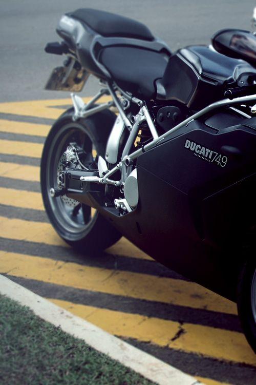 Ducati 749 Black matte