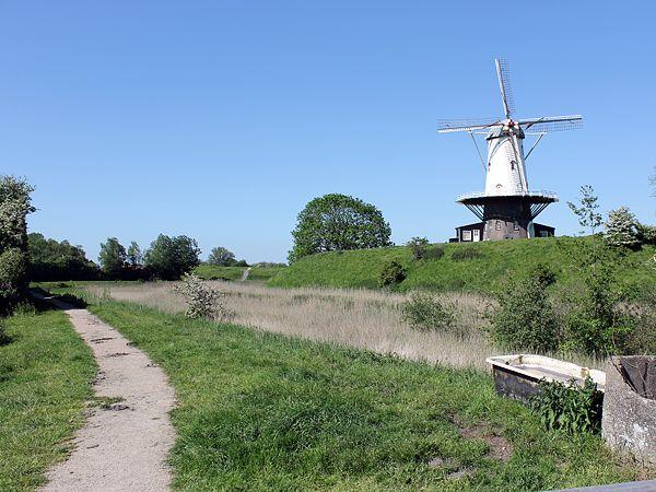 Wandelroute Laat je betoveren door Veere  voor een gezellig dagje uit. (http://www.route.nl/wandelroute/177037/laat-je-betoveren-door-veere)