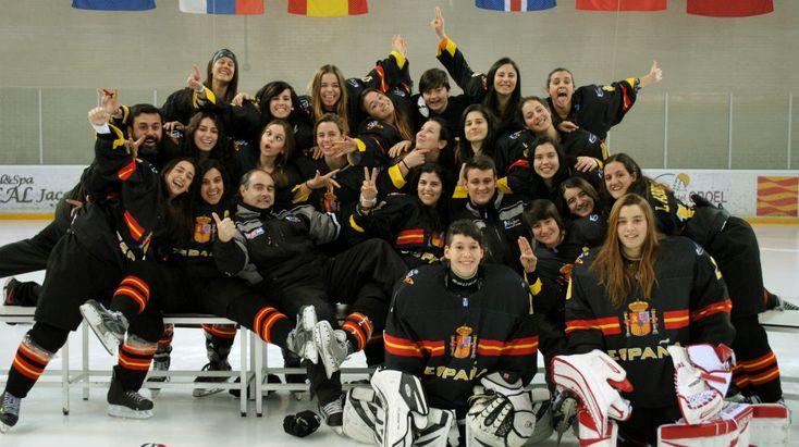 España, plata en el Mundial de Hockey sobre hielo femenino | Marca.com http://www.marca.com/deportes-invierno/2017/03/06/58bdcfa9e5fdea61368b456d.html