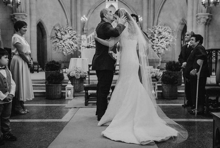 Decoración Parroquia Jesús Nazareno. Matrimonio de Pedro y Katherine, Foto por Matías González Photography #church #deco #azahar