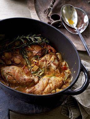 Een overheerlijke ratatouille van konijn, die maak je met dit recept. Smakelijk!
