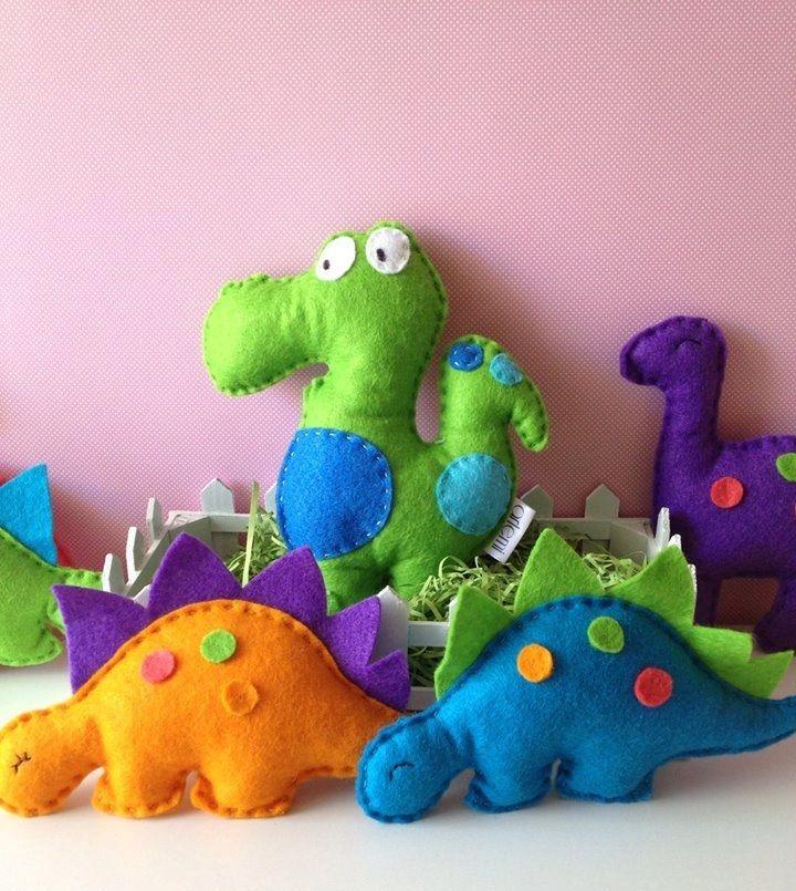 felt dinosaur party favors..!