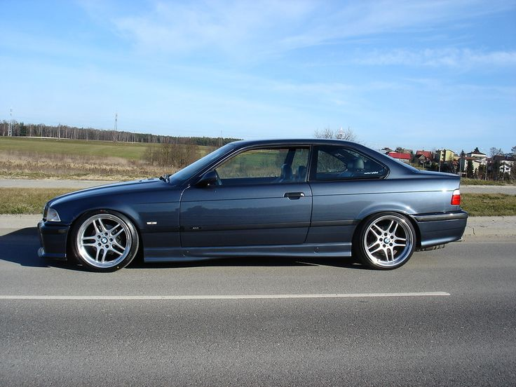 Fjordgrau Metallic BMW e36 coupé on OEM BMW Styling 37 (