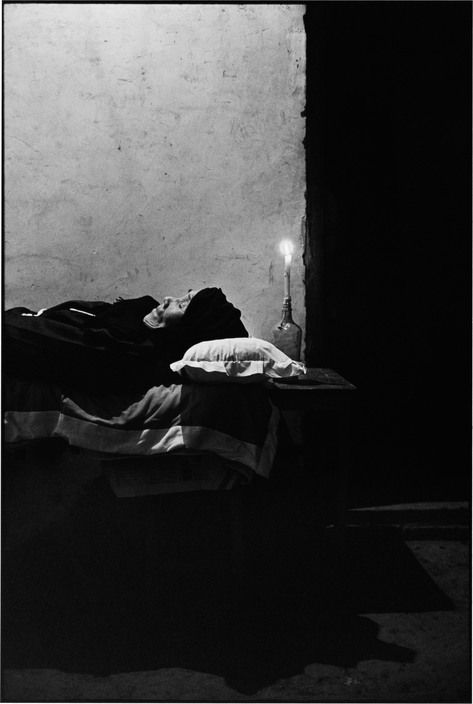 CHINA. Shanxi Province. 1995. The deceased.