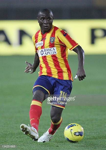 Rodney Strasser of Lecce in action during the Serie A match between US Lecce and Catania Calcio at Stadio Via del Mare on November 26 2011 in Lecce...