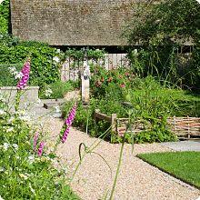 Queen Eleanor's Garden    http://www3.hants.gov.uk/greathall/queen-eleanors-garden.htm
