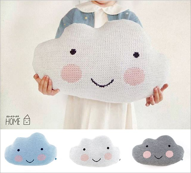 kokokoKIDS pillow clouds. i love this blog. translate to english. so sweet!