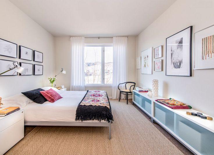 Los Angeles: Aquarelle Drive bedroom by designer Kimberly Demmy includes a large STUA Sapporo system composition. Daniel O'Connor Photography. Via Design Within Reach SAPPORO: www.stua.com/eng/coleccion/sapporo.html USA: www.dwr.com/stua
