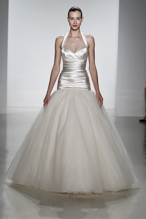 Another of our favorite looks from the Kenneth Pool Spring 2014 show. Loving the contrast of silk and tulle, such a beautiful gown!