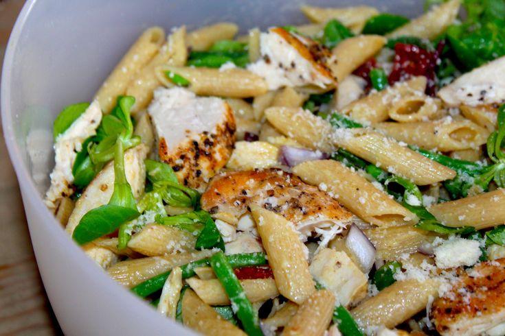 Lett pastasalat med kylling