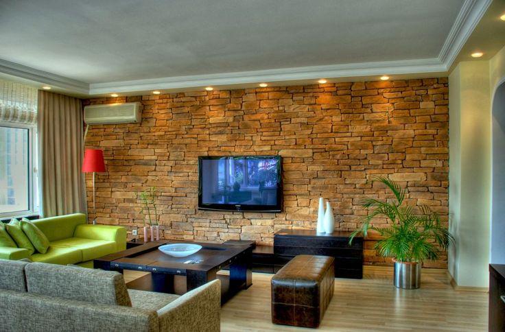Yığma taş duvar mimarisinin tarihimizdede olduğu gibi yatay olarak uygulandığı taş duvar kaplama modellerindendir. Granat, taş duvar uygulaması yapılan ortama karışık kahve bozuğu ve gri tonlarıyla farklılık katacaktır. Granat oldukça etkileyici bir taş kaplama modelidir. www.tasduvarkaplama.com #taşduvarkaplama #dekoratiftaşkaplama #duvarkaplamataşı
