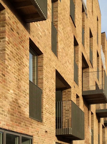 Mikhail Riches Architects | Projects | Brentford Lock West
