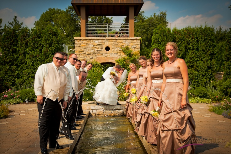 Olbrich Botanical Gardens Wedding Photograph Ideas Amy S Pinterest Garden Weddings
