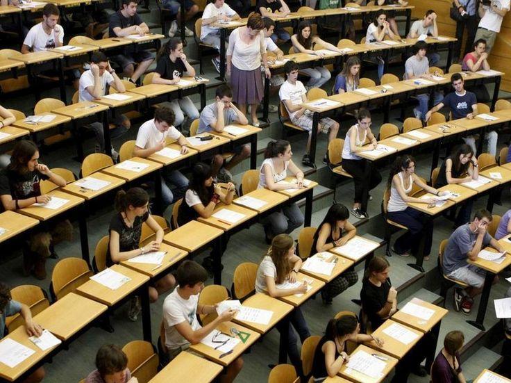 Deniegan a una alumna catalana inscribirse en una universidad de Andalucía