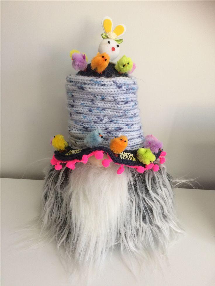 Gorky - April hat - 'be Happy'