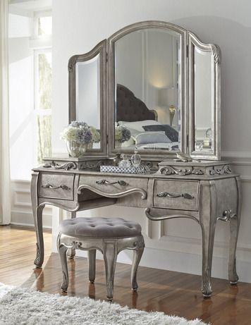Pulaski Bedroom Vanity