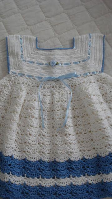 http://crochesdaelizangela.blogspot.com.br/2011/10/vestidinho-rafaela.html