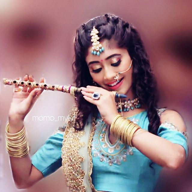 No one can b as beautiful as her... She is looking so pretty... #naira #radha ❤️ @shivangijoshi18 @shivangijoshi18  Strictly no repost...