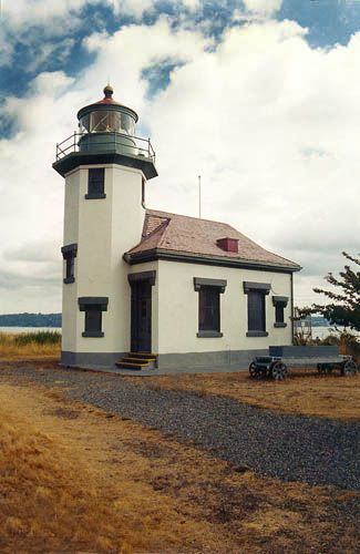 Point Robinson Lighthouse, Washington at Lighthousefriends.com