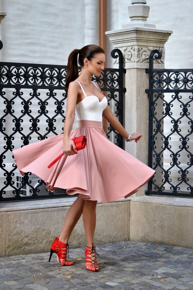 Super-Hot Date-Night Outfit Ideas – Fashion Style Magazine - Page 7.... Just different shoes&handbag
