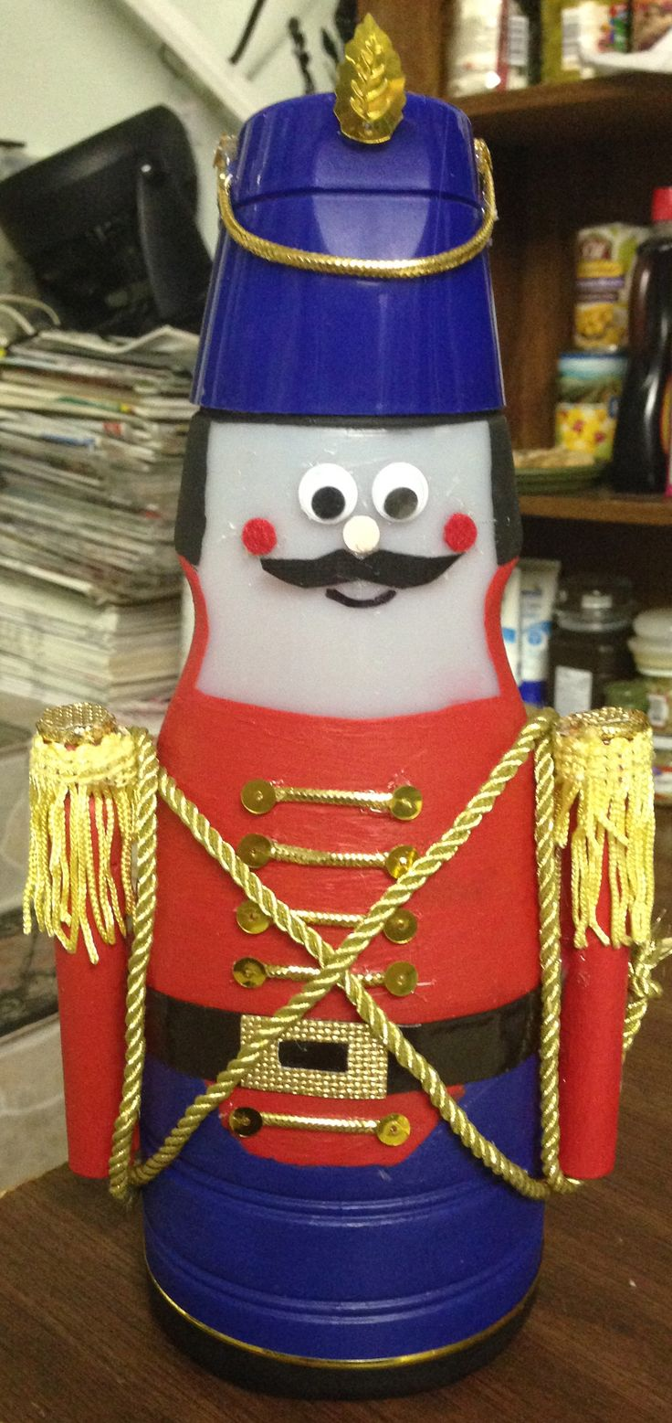 Christmas toy soldier- Don't throw away  your empty creamer bottles.  Instead make toy soldiers for an excellent holiday decoration.