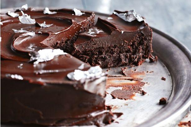 Csokoládés mennyország liszt nélkül, sok krémmel :)